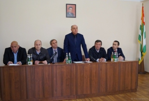 Adgur Lushba Presented the Acting Head of the Administration of the City of Pitsunda Nodar Vanaba