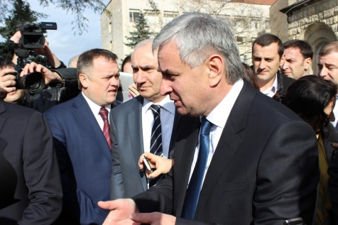 Raul Khadzhimba Spoke to the Businessmen, Who Gathered Around the Administration of the President