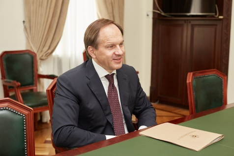 A Meeting with Lev Kuznetsov