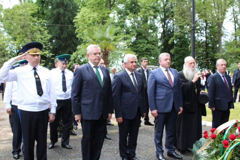 The President Attended Celebratory Events on the Day of the Frontier Guard