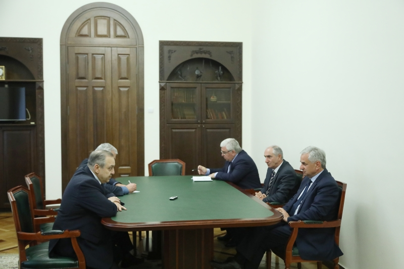 The President Had a Meeting with Deputy Chairman of the Council of Ministers of the Republic of Crimea Georgiy Muradov