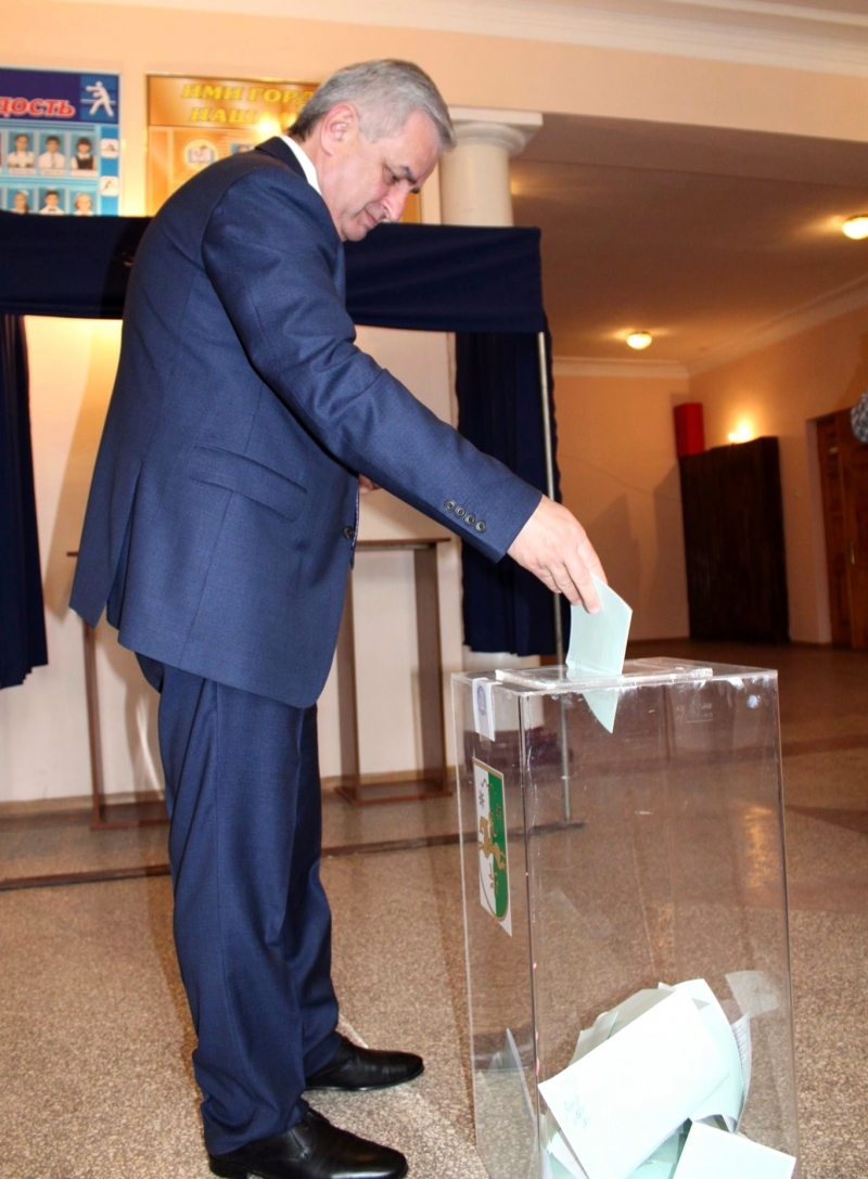 Raul Khadjimba Voted in the Elections to the People's Assembly-Parliament of the Republic of Abkhazia