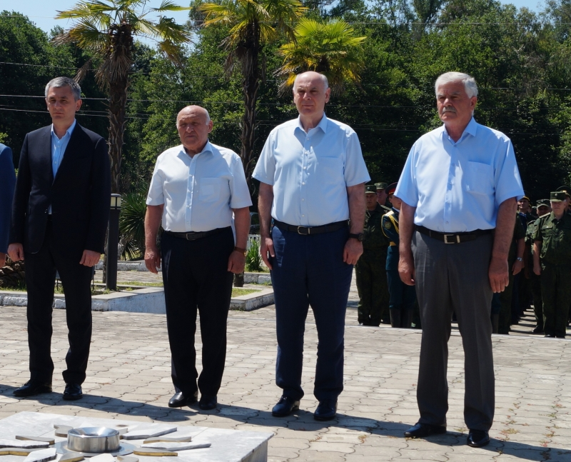 President of Abkhazia Aslan Bzhaniya Laid Flowers at the Memorial of Glory in Tamysh