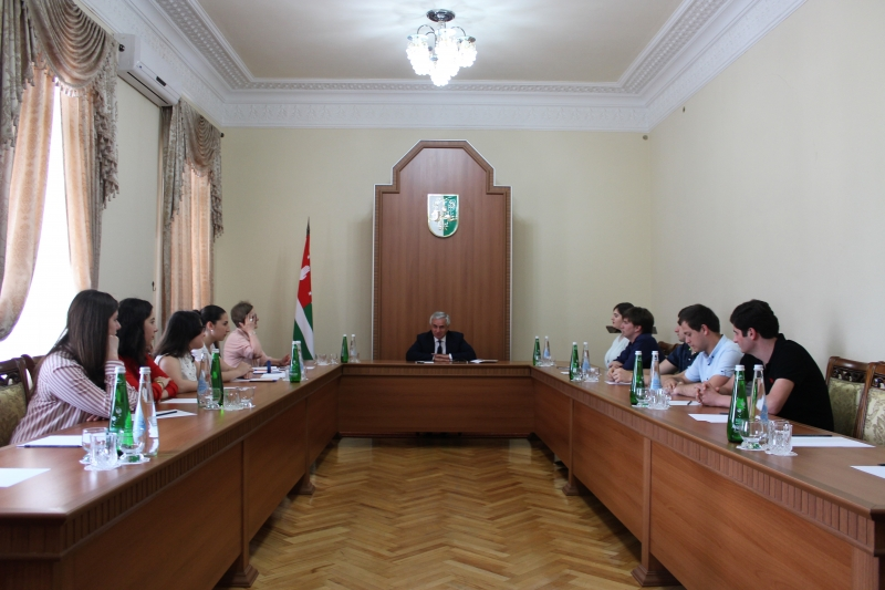 The President Had a Meeting with the Students of the School for Young Politicians