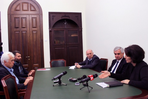 The President Had a Meeting with the Heads of the Artists' Union
