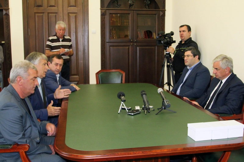The President Had a Meeting with the Head of the Federation of Equestrian Sport of Abkhazia