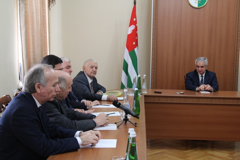 The President Had a Meeting with the National Poet of the Republic of Abkhazia Mushni Lasuria