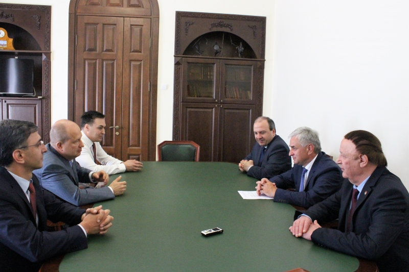 Raul Khadzhimba Had a Meeting with a Delegation from the Bashkir State Medical University