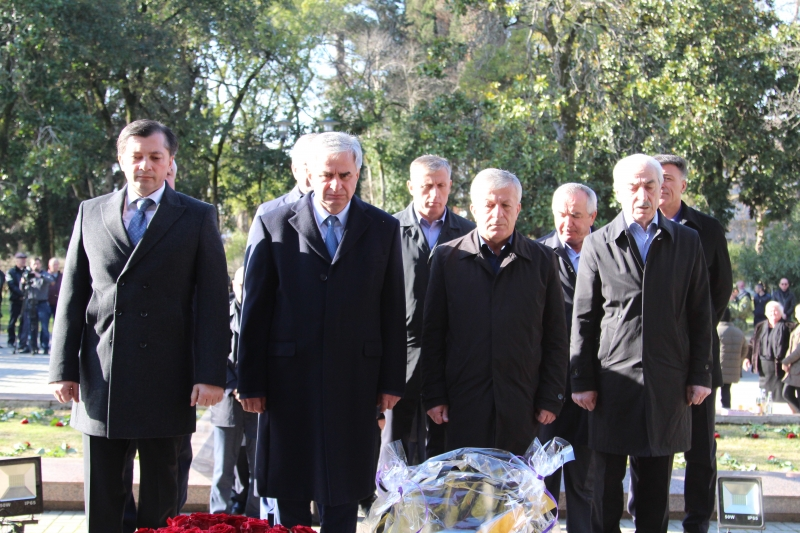 The President Laid Flowers at the Monument for the Victims of the Lata Tragedy