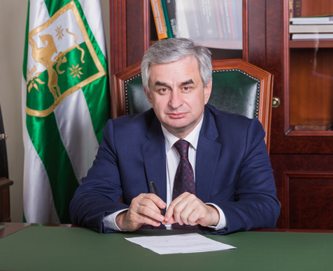 Raul Khadzhimba Expressed Condolences to the President of South Ossetia on Account of the Death of Nafi Djusoity