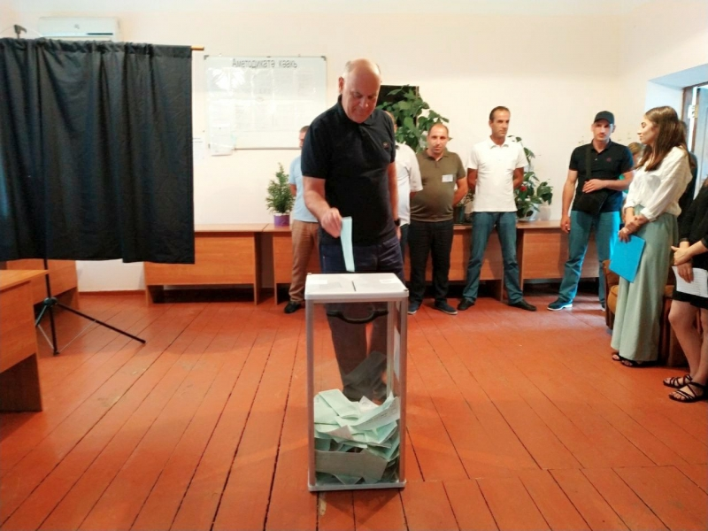 President Aslan Bzhaniya Voted in the Repeated Elections to Parliament