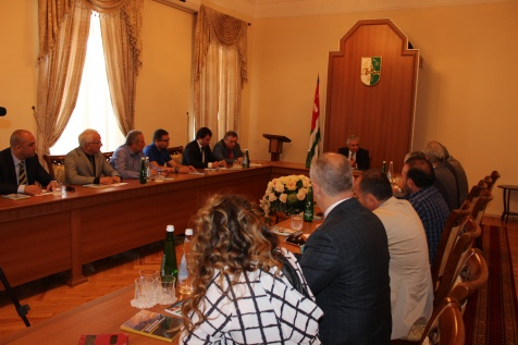 Raul Khadzhimba Met with a Delegation from Kocaeli Province