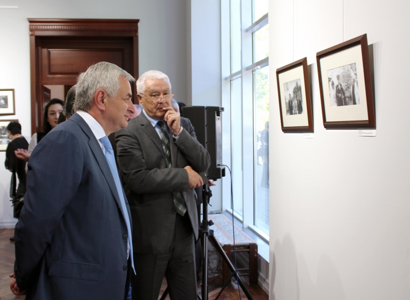 The President Visited an Exhibition Dedicated to the 100th Anniversary since the Birth of Bagrat Shinkuba