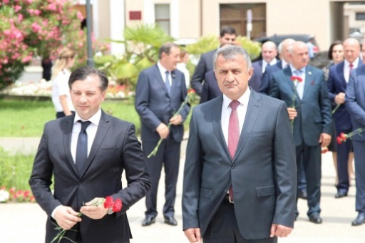 Vitali Gabnia and Anatoly Bibilov Laid Flowers in the Park of Military Glory in Sukhum