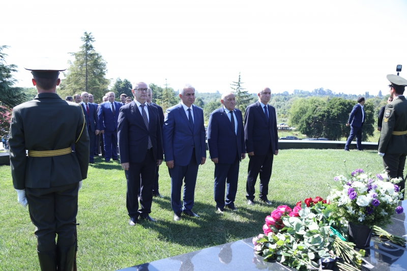 The President Laid Flowers at the Memorial to Vladislav Ardzinba
