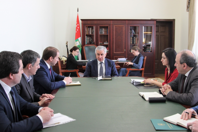 The President Held a Meeting on the Questions of Responding to the Citizens' Requests for Financial Assistance from the Reserve Fund of the President