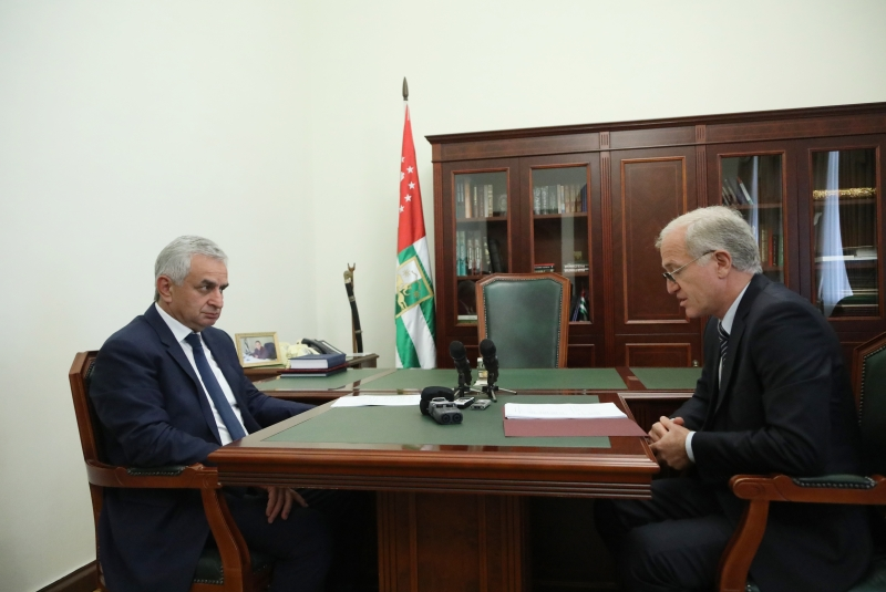 The President Had a Meeting with Minister of Resorts and Tourism Avtandil Gartskia